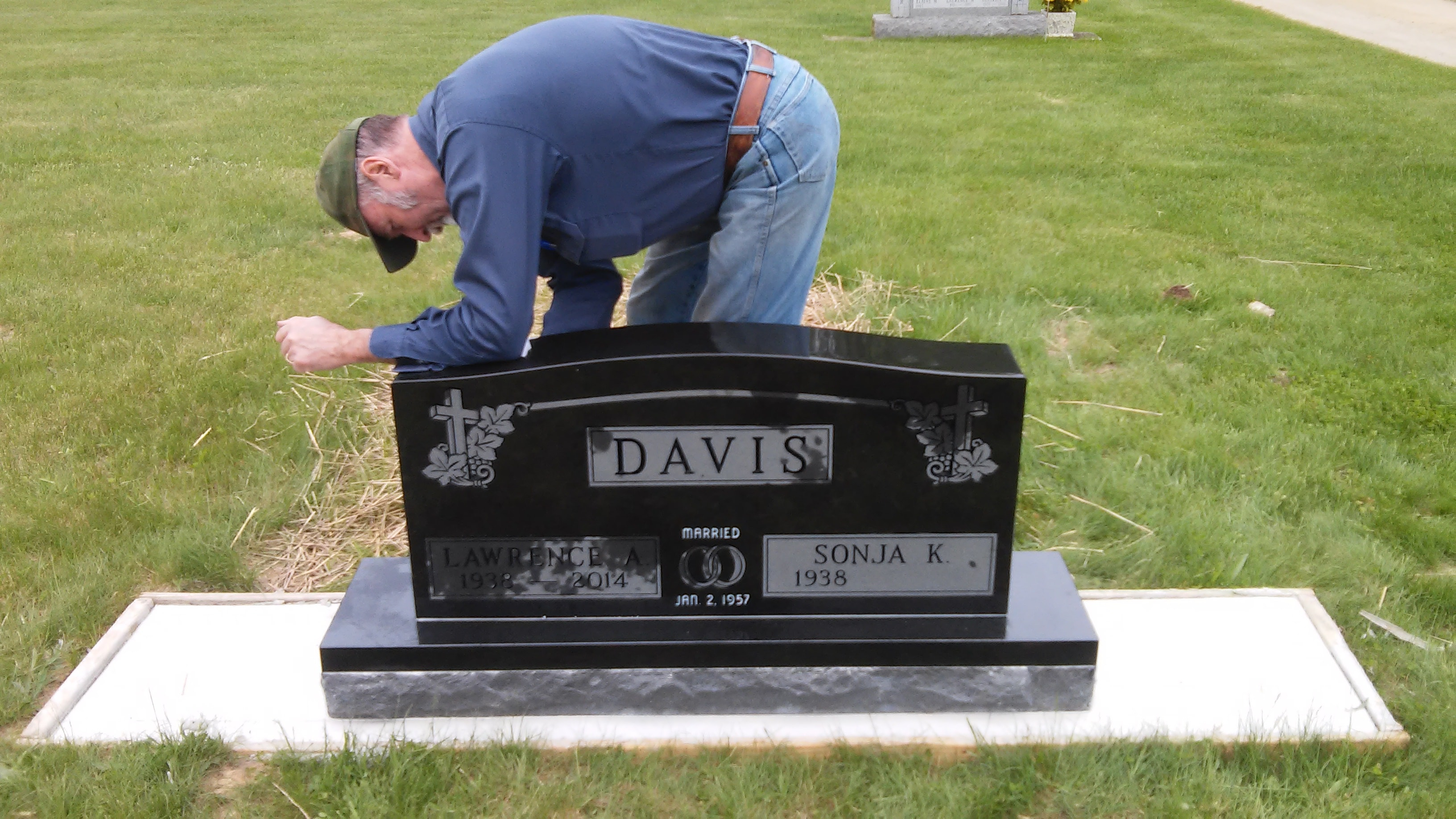 how long does it take to set a headstone